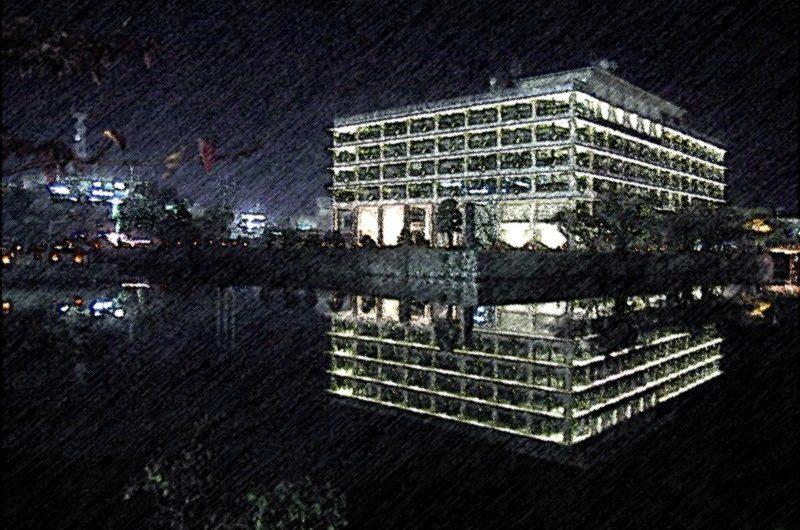 【絵画調変換No014】県庁ライトアップ/色鉛筆画